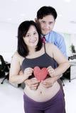 Żony i męża chwyta serca symbol Obraz Royalty Free