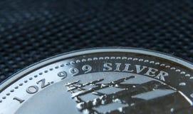 Onza de plata fina moneda hecha de la plata pura Fotos de archivo libres de regalías