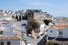 Onze kerk van VaderJesus en stadsgebouwen, Ronda, Spanje royalty-vrije stock foto