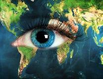 Oog met de wereldkaart die wordt geïntegreerd vector illustratie
