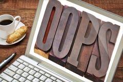 Oops parola sullo schermo del computer portatile Fotografia Stock