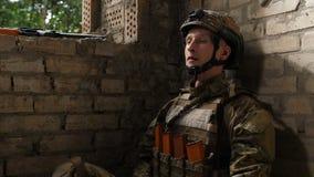 Oordning för spänning för soldatlidandestolpe traumatisk arkivfilmer