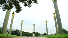 Oorlogsgedenktekens in Chennai in India Rajiv Gandhi Memorial - Rajiv Gandhi, de vroegere Eerste minister van India stock video