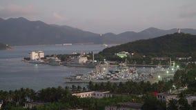Oorlogshaven met schepen stock video