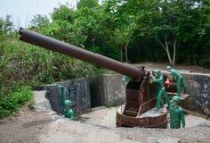 Oorlogsoverblijfselen in Cat Ba, Vietnam stock afbeeldingen