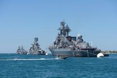 Oorlogsschepen in de baai van Sebastopol stock afbeeldingen