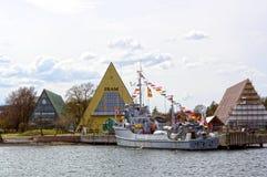 Oorlogsschip met vlaggen voor Fram-museum Royalty-vrije Stock Foto's