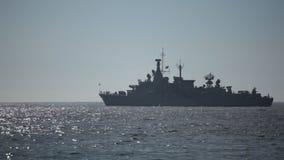 Oorlogsschip op het Overzees stock footage