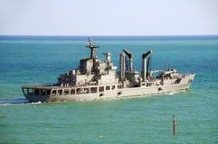 Oorlogsschip op zee Stock Foto