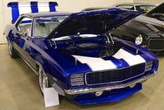 Oorspronkelijke Koningsblauwen antiek Chevy Camaro Stock Afbeeldingen