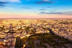 Oostelijk Parijs vóór Zonsondergang Stock Foto's