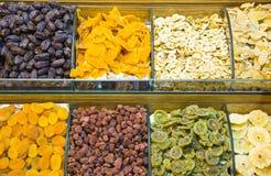 Oostelijke bazaarsnoepjes in Istanboel stock foto's