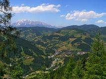 Oostenrijk, alp-Vooruitzichten op Wagrain Stock Fotografie