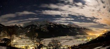 Oostenrijkse Alpen bij nacht Stock Afbeelding