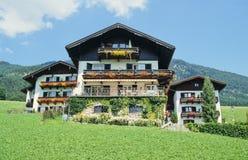 Oostenrijkse huizen stock foto's