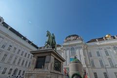 Oostenrijkse Nationale Bibliotheek met monument aan Keizer Joseph II in Oostenrijk September 2017 Stock Afbeelding