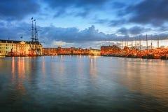 Oosterdok运河在有嘘海博物馆和VOC的阿姆斯特丹 库存照片