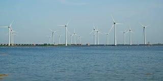 Oosterschelde的岸的风车公园在西兰省 免版税库存照片