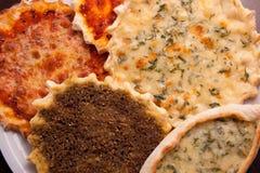 Oosterse pizzaplaat Stock Foto's