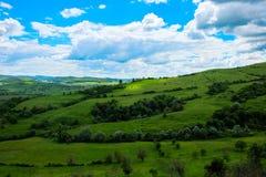 Oosteuropees landschap - het gebied/de lichten en de schaduwen van Transsylvanië Stock Afbeeldingen