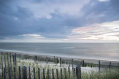 Oostkustzonsopgang op Bewolkte Dag royalty-vrije stock fotografie