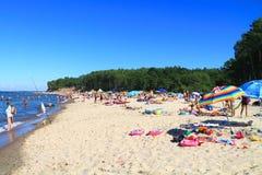 Oostzee, zandig strand in Kulikovo Royalty-vrije Stock Fotografie