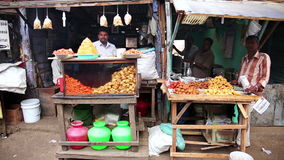 OOTY, INDIA - MARCH 2013: Local market vendors Royalty Free Stock Images
