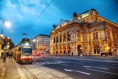 Opéra d'état de Vienne la nuit Image stock