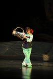 Opéra de Jiangxi de danse de panier une balance Photographie stock