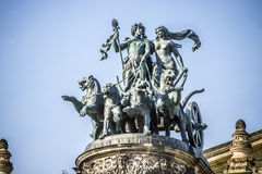 Opéra Dresde de statue image stock