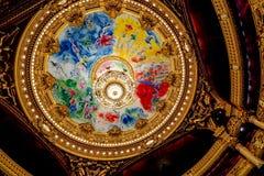 Opéra Garnier Ceiling de Chagall y Palais Garnier Chandelier Decoración interior y architectur imagen de archivo