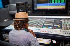 Opérateur dans le studio Image stock