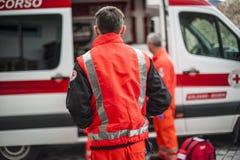 Opérateur de secours dans l'action images libres de droits