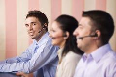 Opérateurs de centre d'attention téléphonique Photo libre de droits