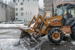 Opération de déblaiement de neige photographie stock libre de droits