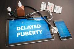 Opóźniający dojrzałości płciowej diagnozy medyczny pojęcie dalej (dokrewna choroba) obrazy stock