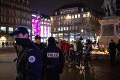 Opłakiwać w Strasburskich ludziach płaci uznanie ofiary Terro zdjęcie stock