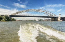 Opłata ruchów drogowych dżemy głośny Brienenoordbrug w Rotterdam obrazy stock