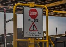 Opłaty drogowa brama na autostradzie Obrazy Stock