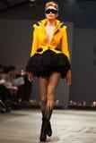 Op aurasjacheraar springen vu de zomer van 2012 modeshow op Royalty-vrije Stock Afbeelding