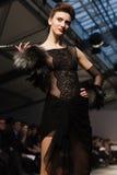 Op aurasjacheraar springen vu de zomer van 2012 modeshow op Royalty-vrije Stock Foto's