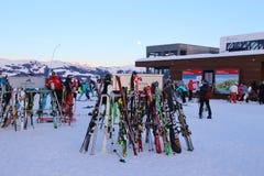 Op de Areit-post van de autokabel 1400 m, in de winter Zell am ziet, Oostenrijk Stock Afbeelding