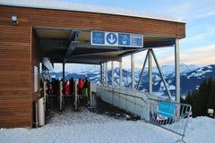 Op de Areit-post van de autokabel 1400 m, in de winter Zell am ziet, Oostenrijk Stock Fotografie