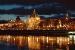 Op de bank van de Rhône bij nacht Royalty-vrije Stock Fotografie