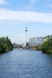 Op de banken van de Fuif. Berlijn. Royalty-vrije Stock Foto