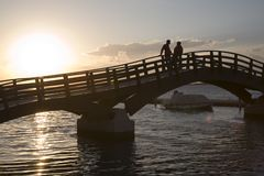 Op de brug stock afbeelding