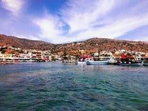 Op de kust van het Egeïsche Overzees stock fotografie