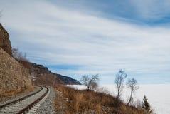 Op de kust van Meer Baikal Royalty-vrije Stock Fotografie