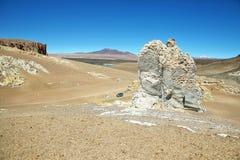 Op de manier aan Salar de Tara, Chili stock foto's
