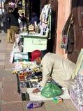 Op de smalle straten van oude Medina in Marrakech, Marokko Stock Foto